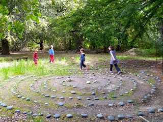 Children in the labyrinth!